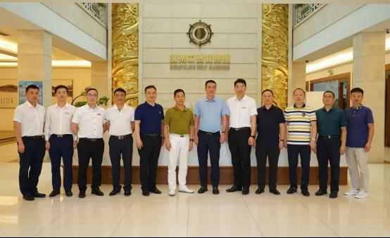 湖南省耒陽市政府主要領導蒞臨中泰辦公家具總部進行參觀考察